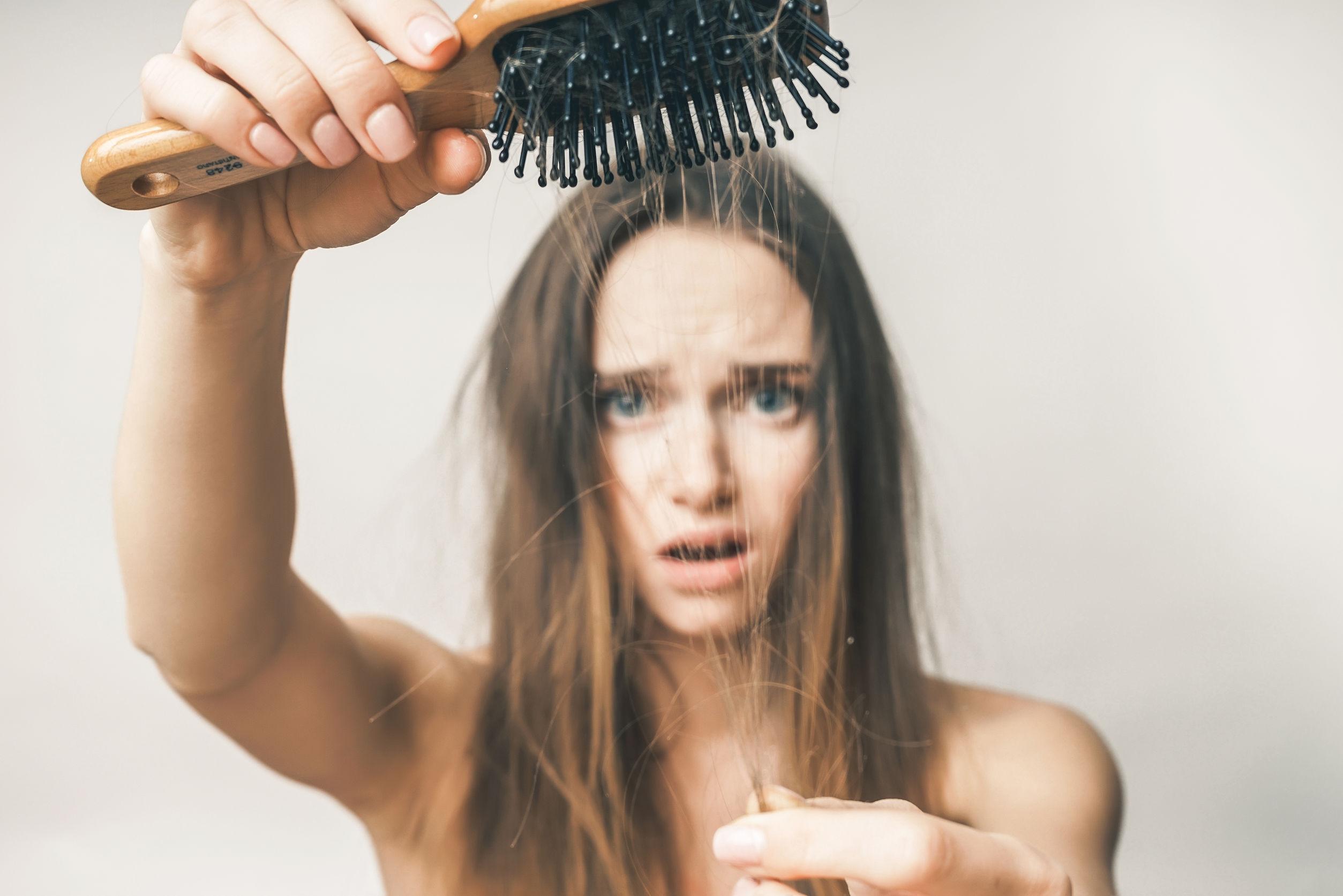 Wypadanie włosów - jak zatrzymać?