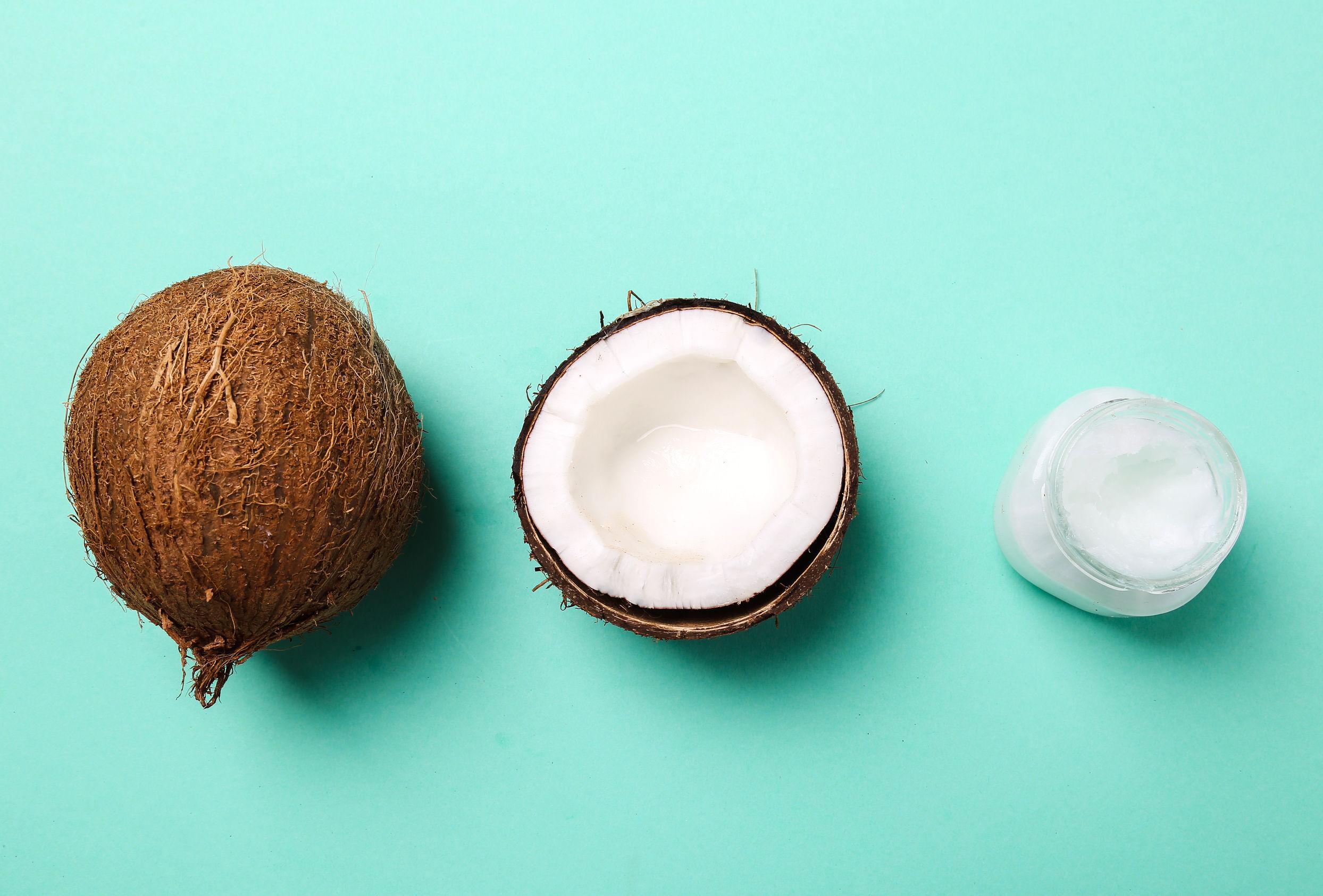 Olej kokosowy - wybielanie zębów