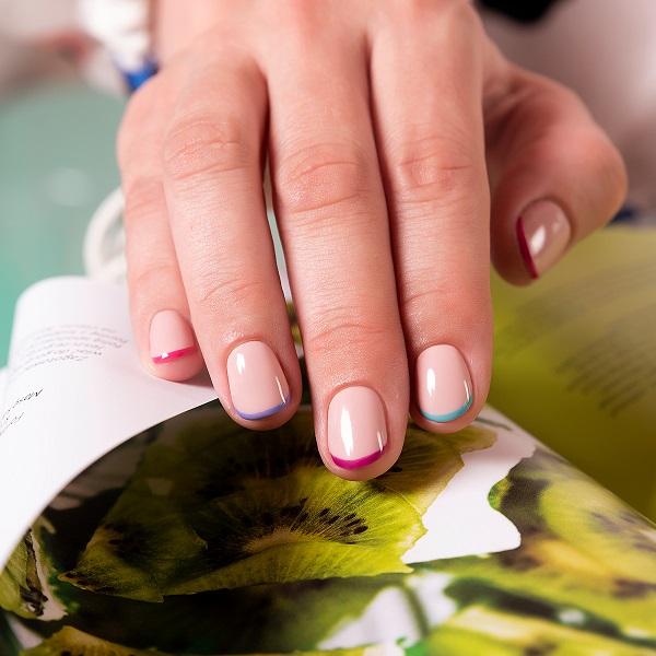 hi hybrid francuski manicure
