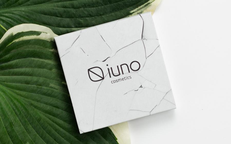 Wegański puder IUNO Cosmetics