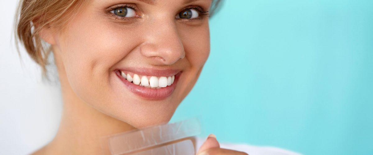Wybielanie zębów w domu – zrób to sama