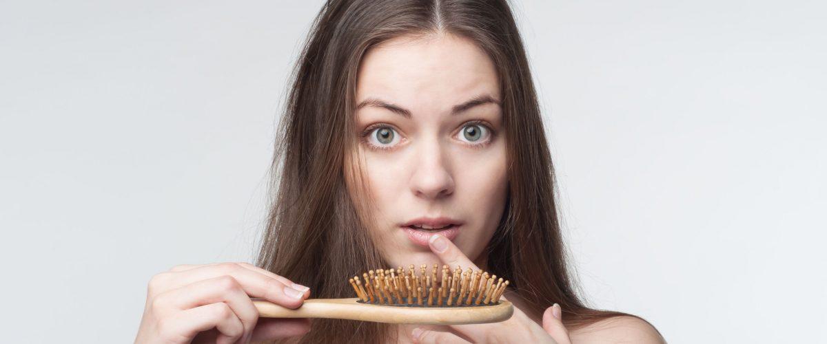 Nadmierne wypadanie włosów – przyczyny