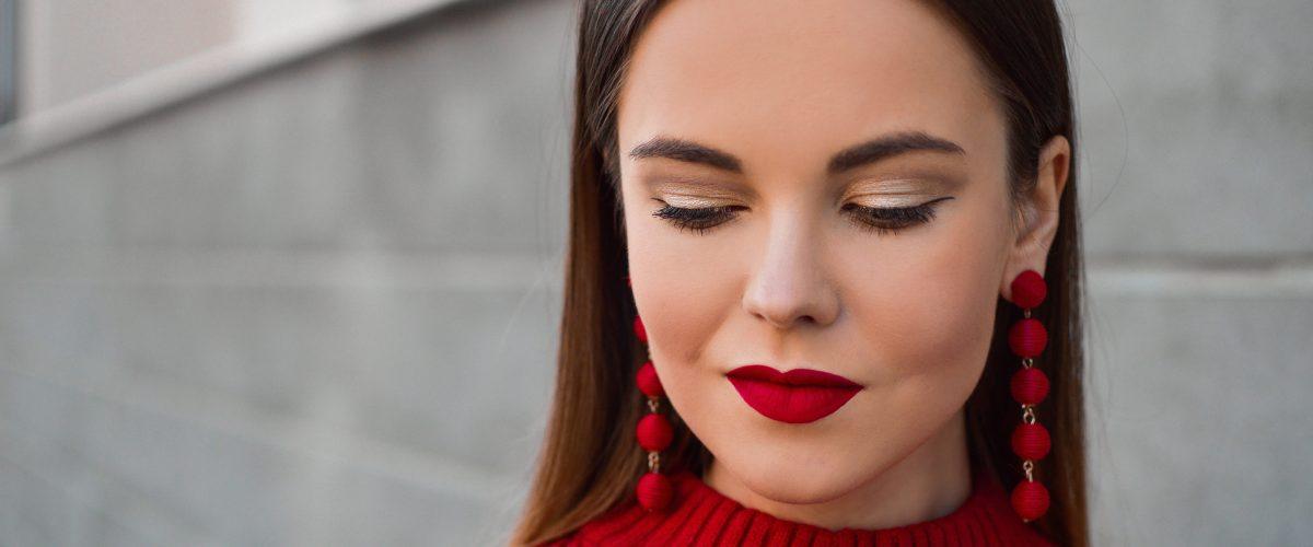 Jak powiększyć usta makijażem? Poznaj najlepsze i sprawdzone tricki!