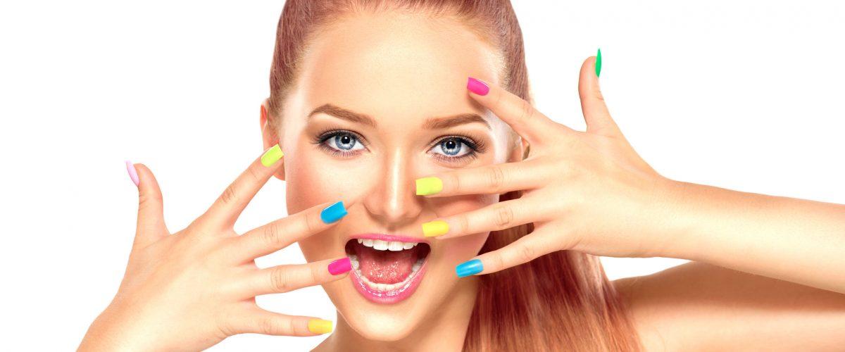 Najpopularniejsze techniki zdobienia paznokci – poznaj je wszystkie!