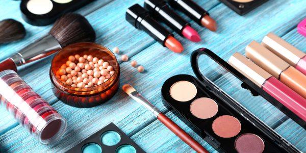 TOP 5 nowości kosmetycznych – co warto kupić w promocji -55% w Rossmanie?