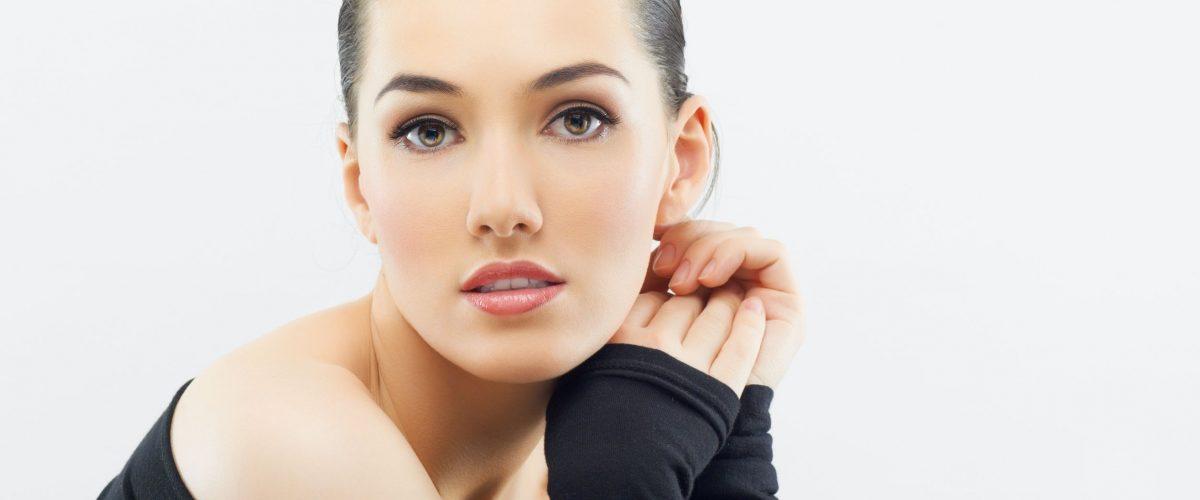 Oczyszczania twarzy w domu i w gabinecie kosmetycznym – co wybrać?