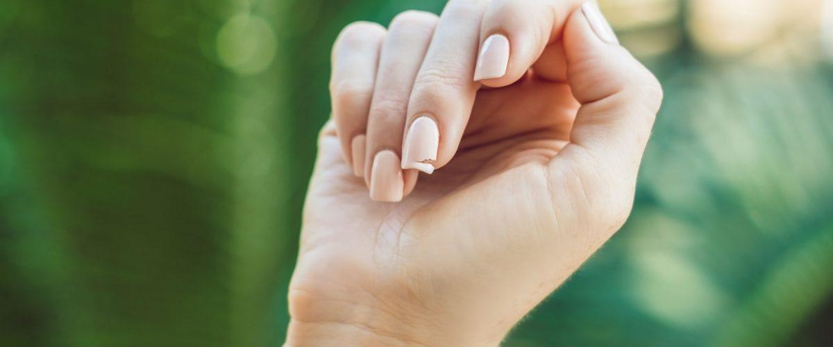 Jak uratować złamany paznokieć? Radzimy!